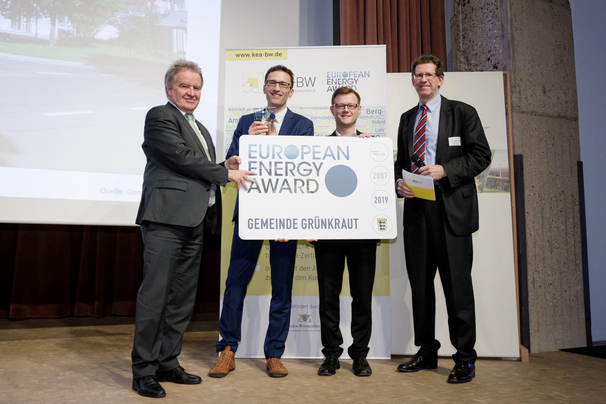 Von links nach rechts: Umweltminister Franz Untersteller, Bürgermeister Holger Lehr und Dr. Volker Kienzlen